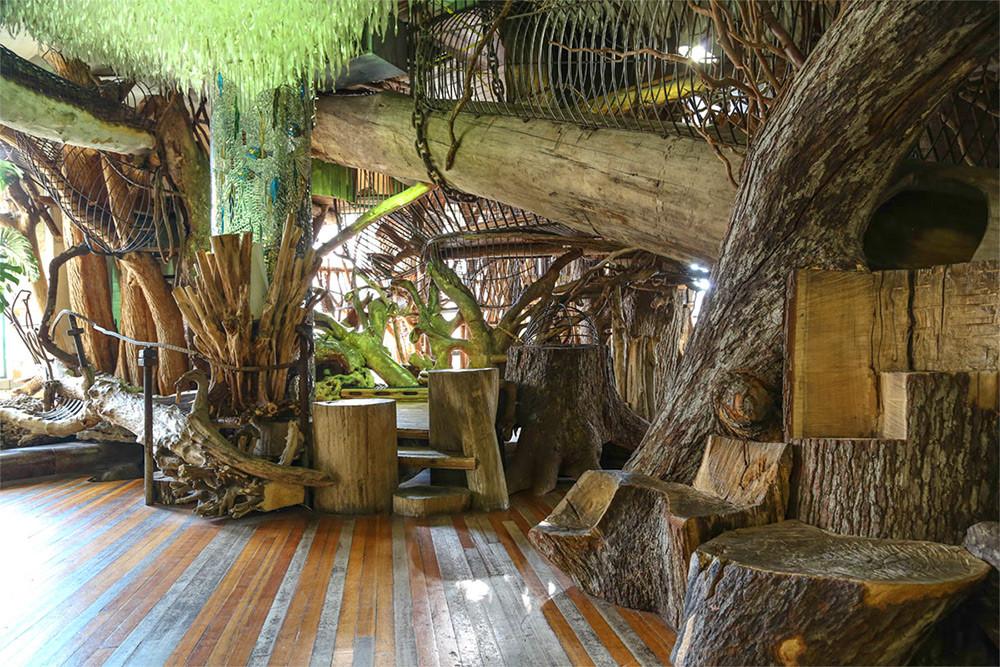 متحف المدينة: مصنع أحذية سابق يتحول إلى مدينة ملاهي