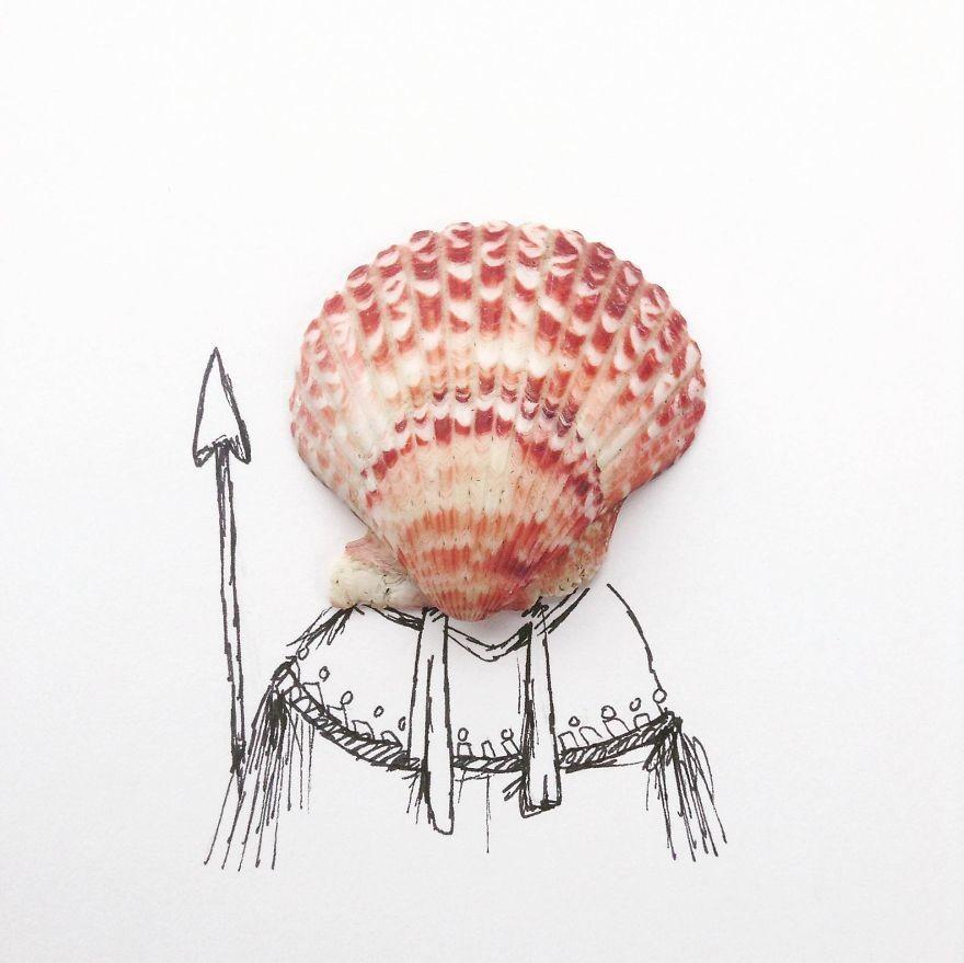 فنان يصمم رسومات باستخدام  أشياء مختلفة