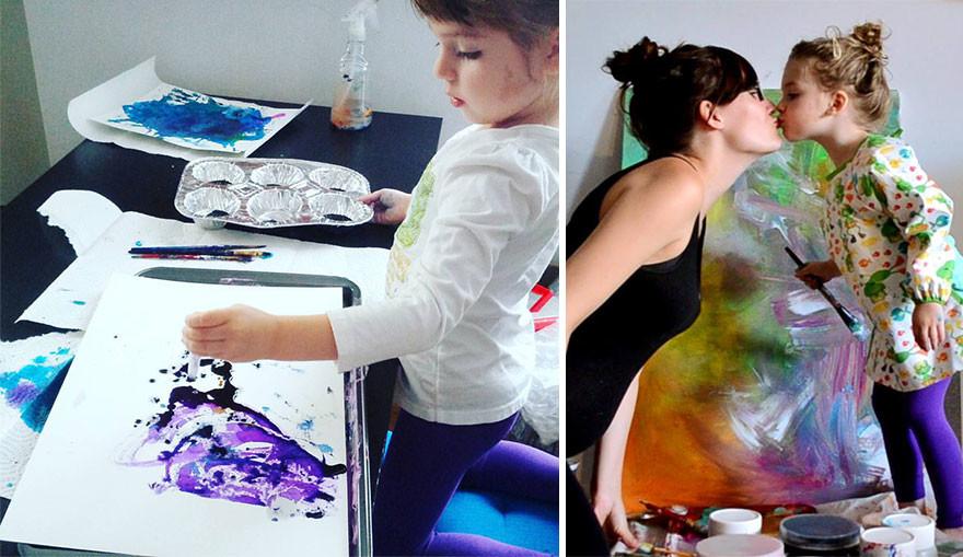 أم تحوّل رسومات ابنتها إلى لوحات جميلة