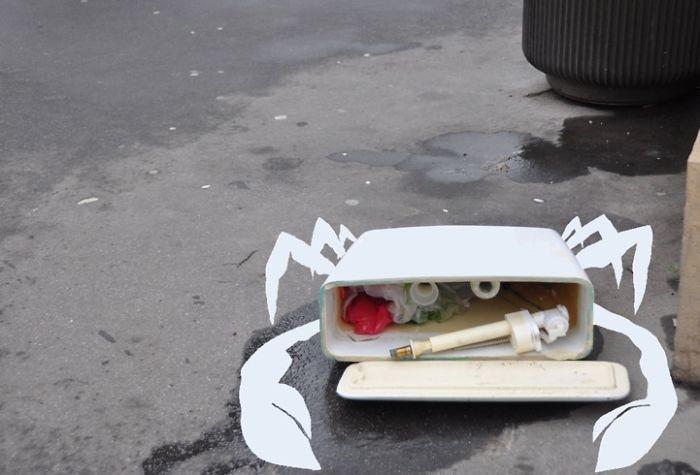 رسومات مرحة في شوارع باريس