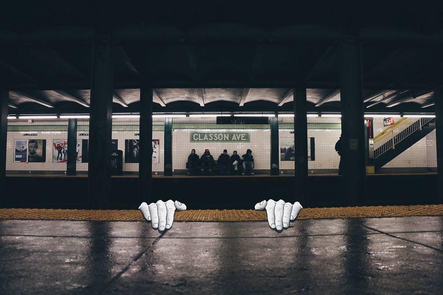 رسوم كرتونية تغزو صور فوتوغرافية