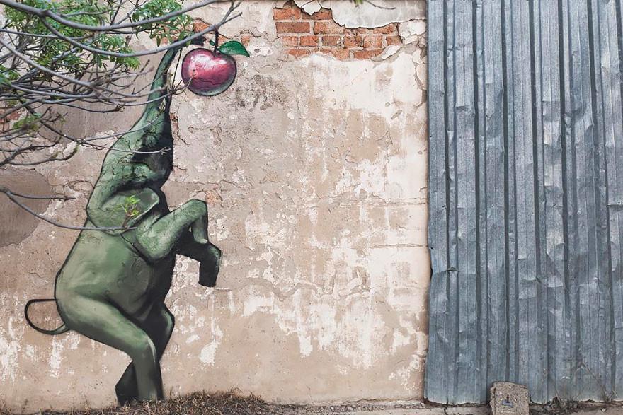 فيلة على جدران قرى إفريقيا تعطي سكانها الأمل