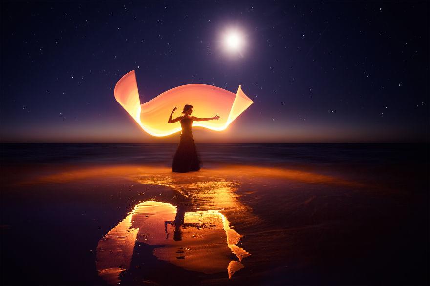 صور من الخيال بواسطة الرسم بالضوء