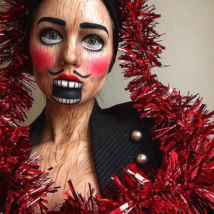 فنانة تغيّر معالم وجهها تماما باستخدام المكياج