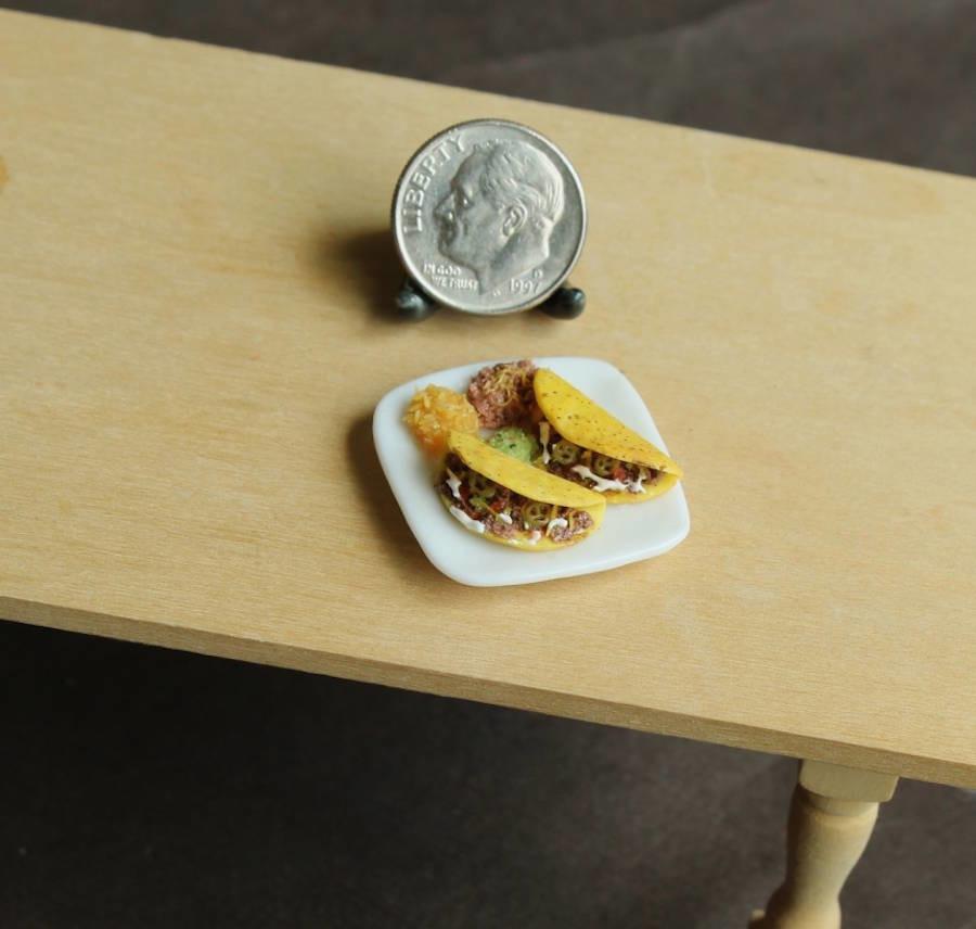 وجبات غذائية مصغرة مصنوعة يدوياً