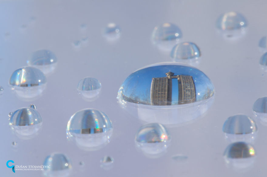 فنان يصور المدن من خلال فقاعات المياه