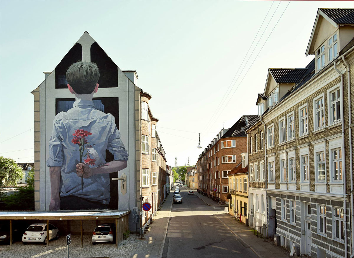 جداريات فنية كبيرة بحجم المباني من عمل