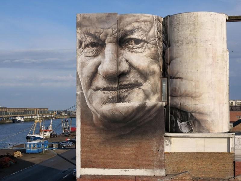 جداريات ضخمة للفنان غيدو فان هيلتين