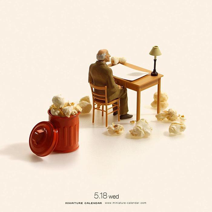 فنان ياباني يصنع مجسمات مصغرة كل يوم