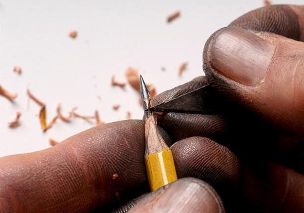 اعمال فنية على رؤوس أقلام رصاص